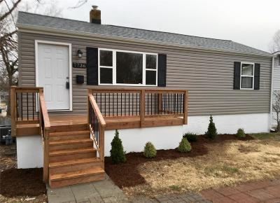 Affton Single Family Home Contingent No Kickout: 7736 Delmont