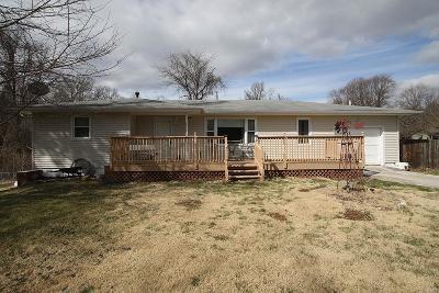 Edwardsville Single Family Home For Sale: 1 Springer Woods Lane
