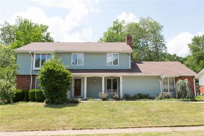 Ballwin Single Family Home For Sale: 483 Graywood Drive