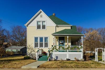 St Charles Single Family Home For Sale: 1303 North 3rd Street