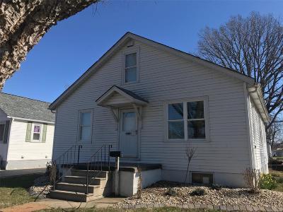 Highland Single Family Home For Sale: 913 Cedar Street