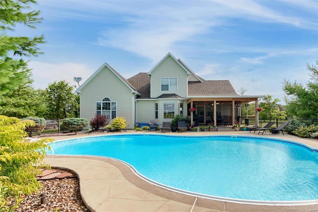 Listing: 8402 Timber Ridge Drive, Edwardsville, IL.| MLS# 18018648 ...