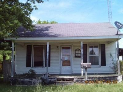 Roodhouse IL Single Family Home For Sale: $14,900