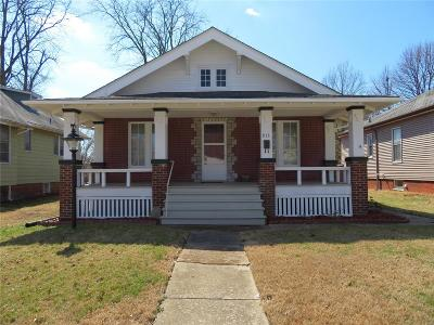 Belleville Single Family Home For Sale: 915 Bristow St