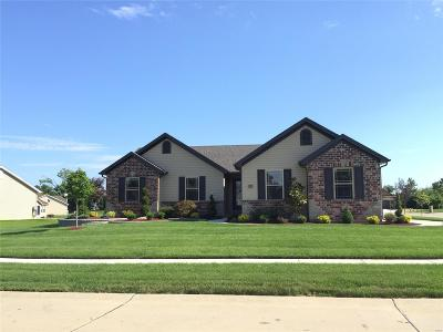 Single Family Home For Sale: 102 Albany Manor
