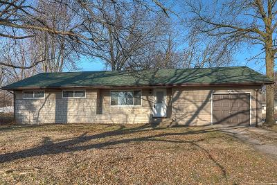 Fairview Heights Single Family Home Contingent No Kickout: 9905 Bunkum