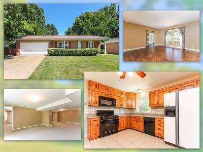 St Louis Single Family Home For Sale: 11936 Lakecrest Lane