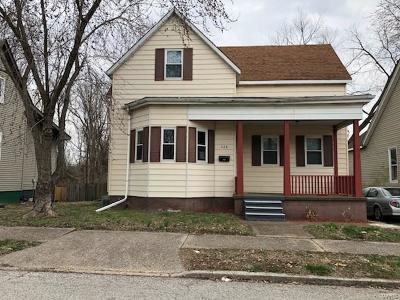 Belleville Single Family Home For Sale: 428 North 4th