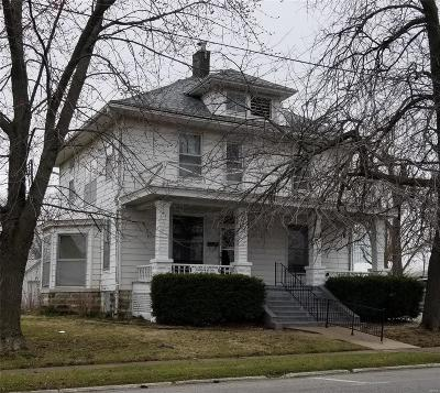 Monroe City, Paris, Perry, Stoutsville, Center, New London, Vandalia Single Family Home For Sale: 315 South Main Street