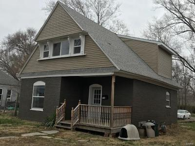 Hannibal MO Single Family Home For Sale: $72,000