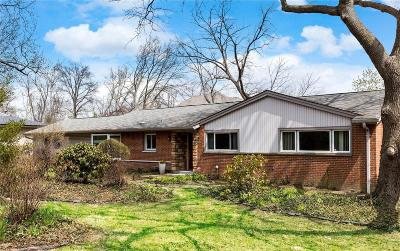 Creve Coeur Single Family Home For Sale: 4 Country Fair