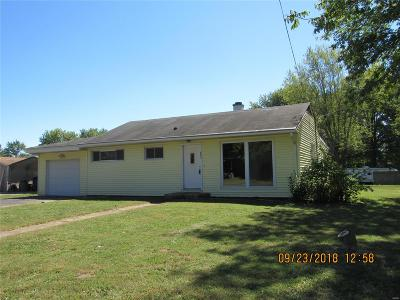 Godfrey IL Single Family Home For Sale: $89,900