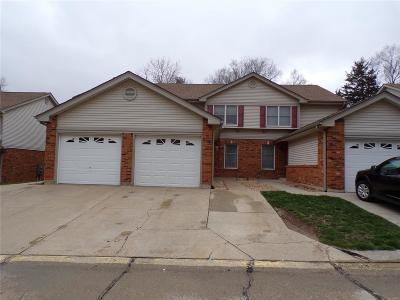 Single Family Home For Sale: 215 Deer Hollow