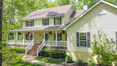 Defiance Single Family Home For Sale: 887 Jacks Creek Court