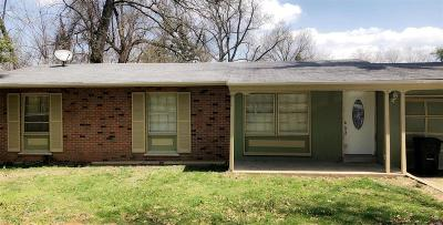 Single Family Home For Sale: 5 Sassafras Lane
