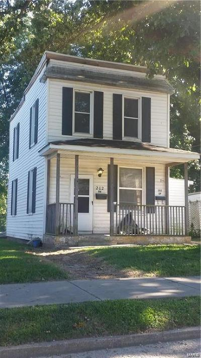 Belleville Multi Family Home For Sale: 202 South 27th