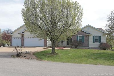 Farmington Single Family Home For Sale: 24 Grizzly Court