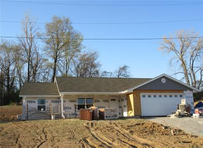 Hannibal MO Single Family Home Contingent No Kickout: $164,900