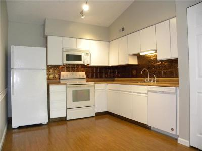 Wildwood Condo/Townhouse Contingent No Kickout: 134 Jubilee Hill Drive #L