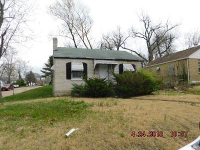Single Family Home For Sale: 238 Henquin