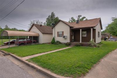 Union Single Family Home For Sale: 523 North Oak Street
