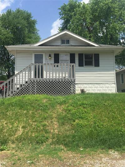 Alton IL Single Family Home For Sale: $56,900