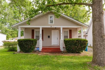 Edwardsville IL Single Family Home For Sale: $105,000