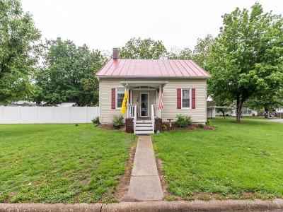 Red Bud Single Family Home For Sale: 217 North Fillmore Street