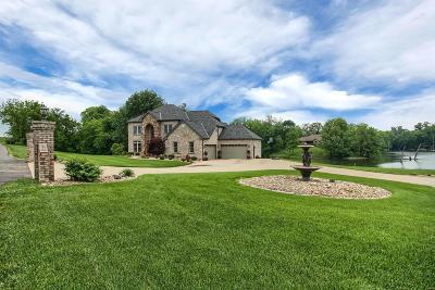 Columbia Single Family Home For Sale: 2 Eagle Lake