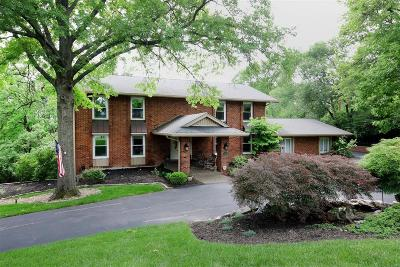 Creve Coeur Single Family Home For Sale: 217 Ladue Oaks