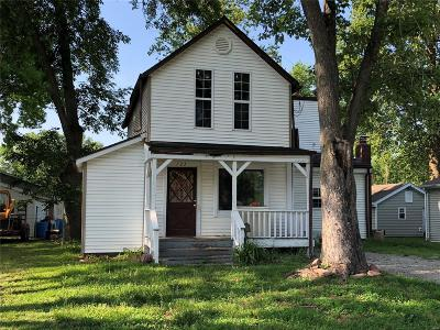 Mascoutah Single Family Home For Sale: 123 West Patterson