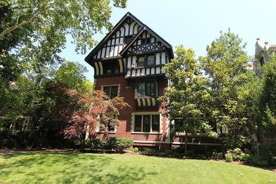 St Louis Single Family Home For Sale: 4949 Pershing Place