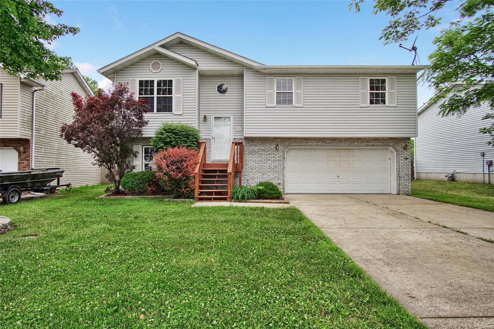 373 Orchard Court, Troy, IL | MLS# 18042784 | Andy Robinson | 618