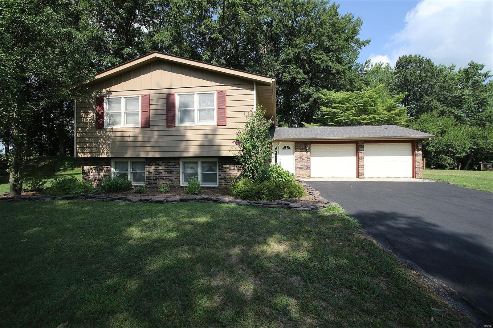 703 Huntley Court Troy Il Mls 18044179 Legacy Realty And