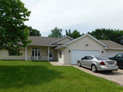 Farmington Single Family Home For Sale: 83 Fox Ct