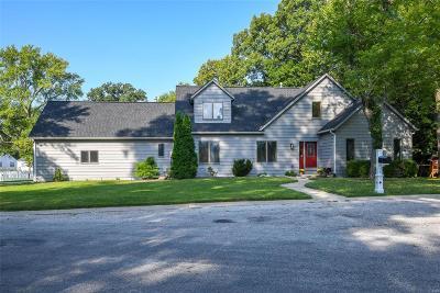 Belleville Single Family Home For Sale: 2 Forest Glen