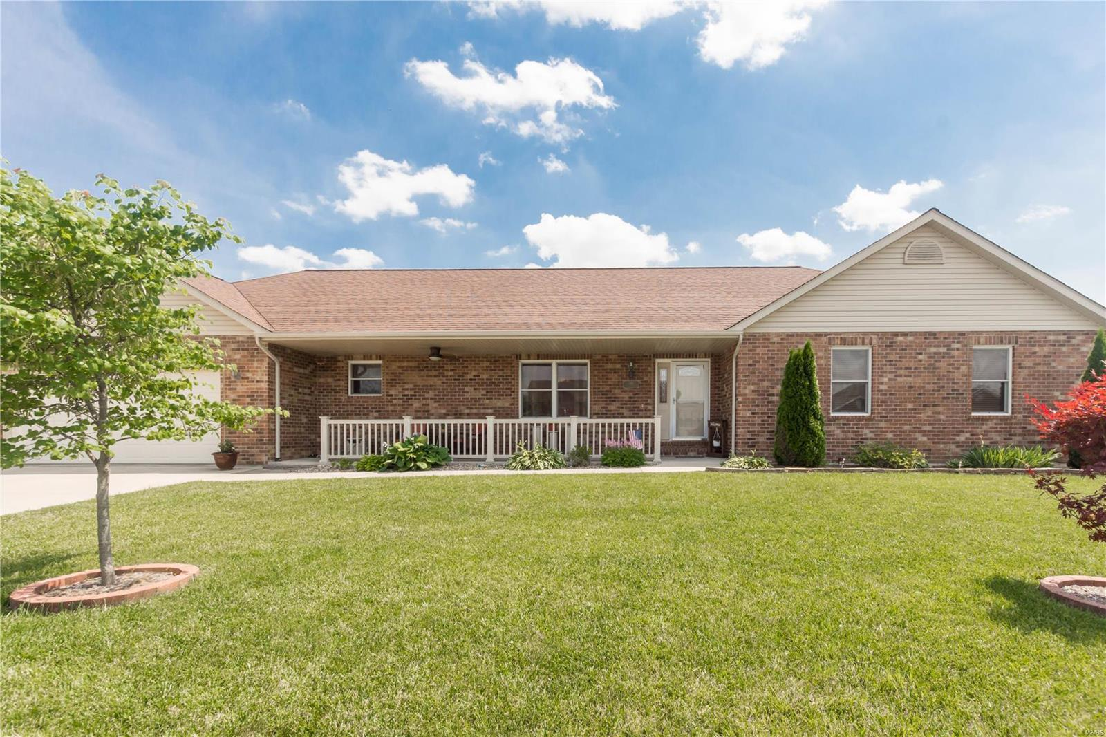 128 Adam Lane Columbia Il Mls 18047187 Legacy Realty And