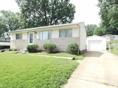 St Louis Single Family Home For Sale: 220 Arras Drive
