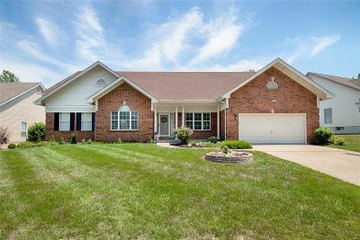 St Charles Single Family Home For Sale: 222 Muirfield Woods Court