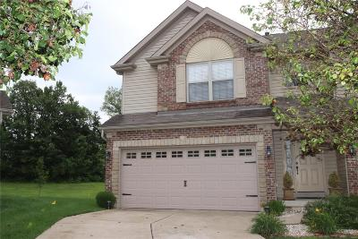 Lake St Louis Condo/Townhouse Contingent No Kickout: 219 Prominence Lane