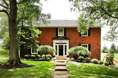 Creve Coeur Single Family Home For Sale: 9848 Countryshire Place