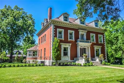 St Louis Single Family Home For Sale: 40 Washington Terrace