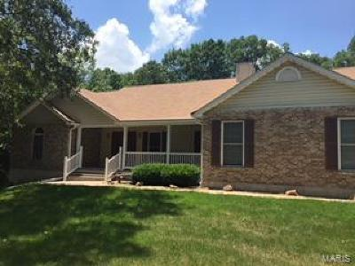 Warrenton MO Single Family Home Contingent No Kickout: $284,900
