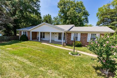 Ballwin Single Family Home For Sale: 15663 Clayton Road