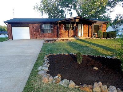 Ballwin Single Family Home For Sale: 238 Saint Marys Drive
