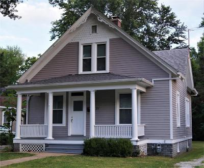 Edwardsville Single Family Home For Sale: 531 North Kansas Street