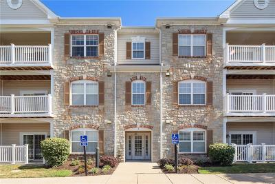 Chesterfield Condo/Townhouse For Sale: 1 Monarch Trace #206