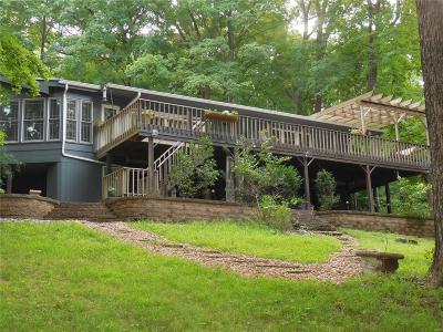 Chesterfield Single Family Home For Sale: 5 Arrowhead Estates