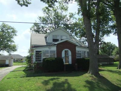 Mascoutah IL Single Family Home For Sale: $119,900