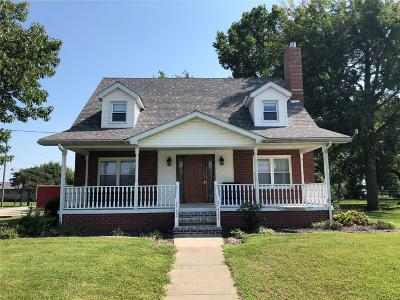 St Peter Single Family Home For Sale: 610 East 3rd
